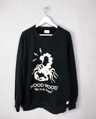 "WOOD WOOD Scorpion Sweatshirt ""NOT TO BE TRUSTED"""